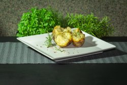 Cartofi copti în jar, cu unt și rozmarin
