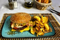Meniu Burger cu cartofi dippers image