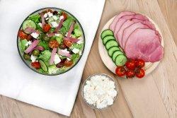 Salată Pastrami și ingrediente la alegere image