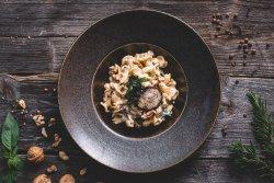 Campanelle con gorgonzola e noci image