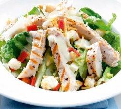 Salata Caezar cu piept de pui
