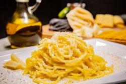 Spaghetti alla Chitarra Cacio e Pepe image