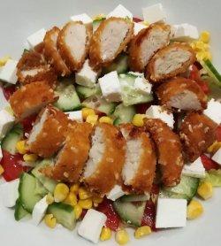 Salată Crispy Chicken
