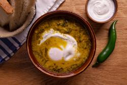 Zamă de selată verde cu zăr și ou hiert image