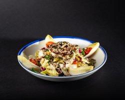 Salată bânzoasă cu fel de fel de sământuri image