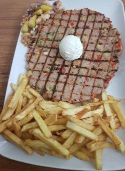 Pljeskavica din carne de curcan + Cheesecake gratis image