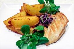 Piept de pui la grill și cartofi prăjiți image