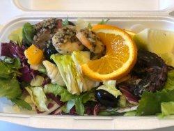 Salată cu caracatiță image