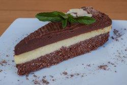 Tort de ciocolată cu mango image