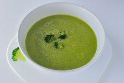 Supă de broccoli cu conopidă