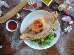Pizza calzone farcito(închisă) image