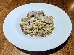 Paste cu mușchi de vită, mix de ciuperci și cremă de trufe image