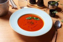 Supă cremă de roşii cu busuioc image
