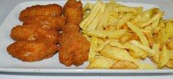 Aripioare crocante cu cartofi prăjiți
