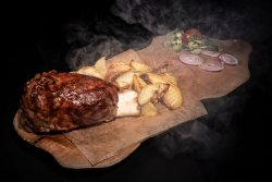 Ciolan de porc & cartofi cu rozmarin