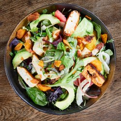 Fresh Salad with Octopus, Grapefruit and Fennel image