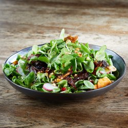Shredded Duck leg with Valerian Leaves, Peach, Quinoa and Peanuts image