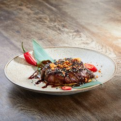 Spicy Beef Tenderloin with hot sesame and sweet soy image