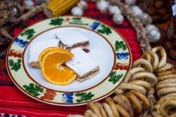 Prăjitură de casă cu mere  image