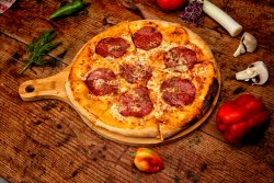 Pizza Salami 32 cm image