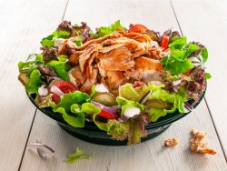 Salată cu carne rotisată