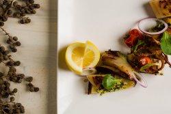 Calamar de Grecia rumenit la grătar image