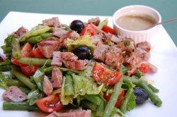 15% GRATUIT: Salată de ton serios image