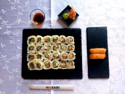 Mix salmon roll 24 +2