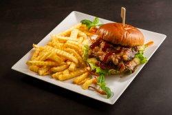 Burger dulceata de ceapa si bacon image