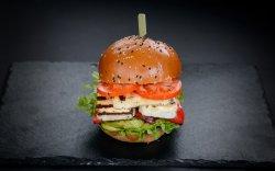Mândru Burger  image