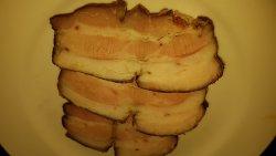 Piept de porc afumat de casă cu lemn de fag image