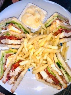 Club Sandwich- Rețeta originală din New York image