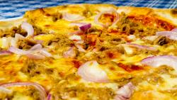 Pizza al Tonno