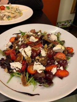 Salată Samba cu Brânză de Capră image