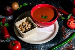 Supă cremă de roșii cu crutoane