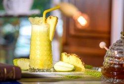 Fresh de ananas, mere si ghimbir