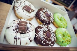 6 Donuts mixate + 3 Pepsi (500 ml / bucata) image