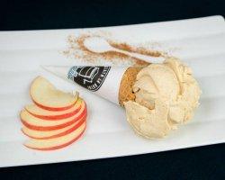 Înghețată măr copt și scorțișoară