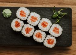 Maki cu somon / Maki with salmon image
