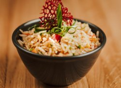 Orez prăjit cu legume / Fried rice with vegetables image