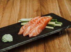 Sashimi de somon / Salmon sashimi image