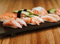 Nobori Salmon Nigiri Plate image