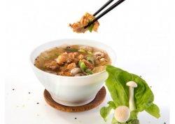 Supa picanta cu pui crocant