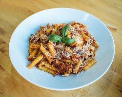 Spaghetti bolognese image