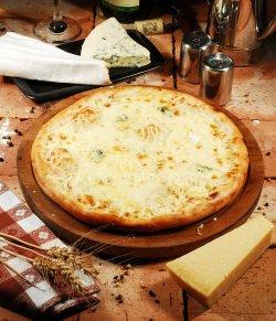 Pizza Quattro Formaggi 30 cm. image
