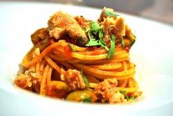 Spaghete Tonno e Olive image