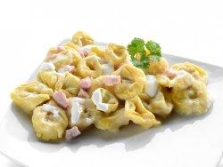 Tortellini Panna Prosciutto e Funghi image