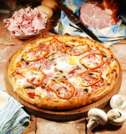 Pizza Paesana 30 cm. image