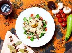 """Salată """"La Conac"""" image"""