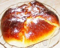 Plăcinte bucovinene (poale'n brâu) cu brânză de vaci și stafide